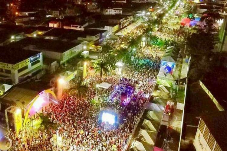 O Carnaval fora de época será realizado entre os dias 25 e 28 de abril - Foto: Reprodução
