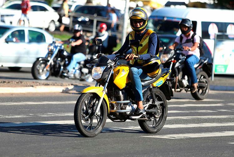 Homens são as principais vítimas no trânsito, com 71% das ocorrências - Foto: Joá Souza   Ag. A TARDE   30.08.2018