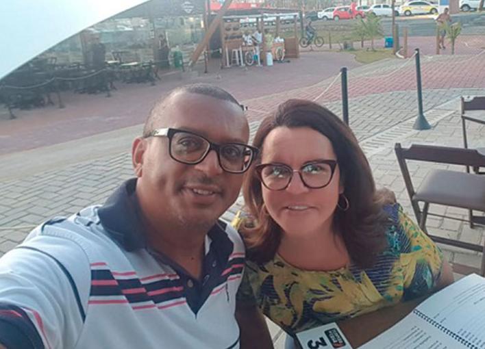 Mayllana e Jailton Araujo em um passeio no Jardim dos Namorados
