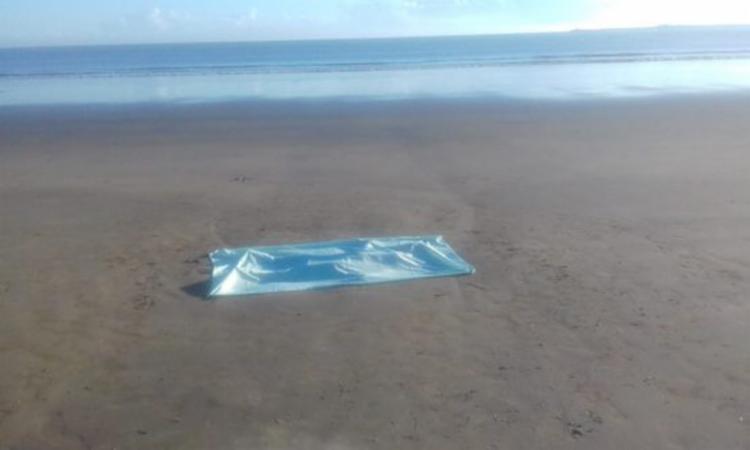 Corpo foi localizado na praia Litorânea Norte, no bairro do Malhado - Foto: Divulgação | Fábio Roberto Notícias