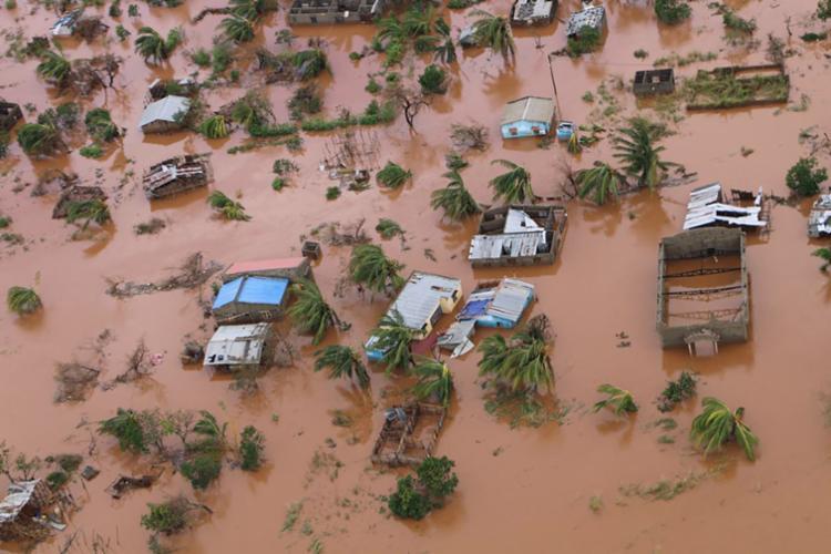 O fenômeno atingiu a costa do centro de Moçambique na manhã de 15 de março, o que provocou fortes ventos e chuvas - Foto: Adrien Barbier | AFP