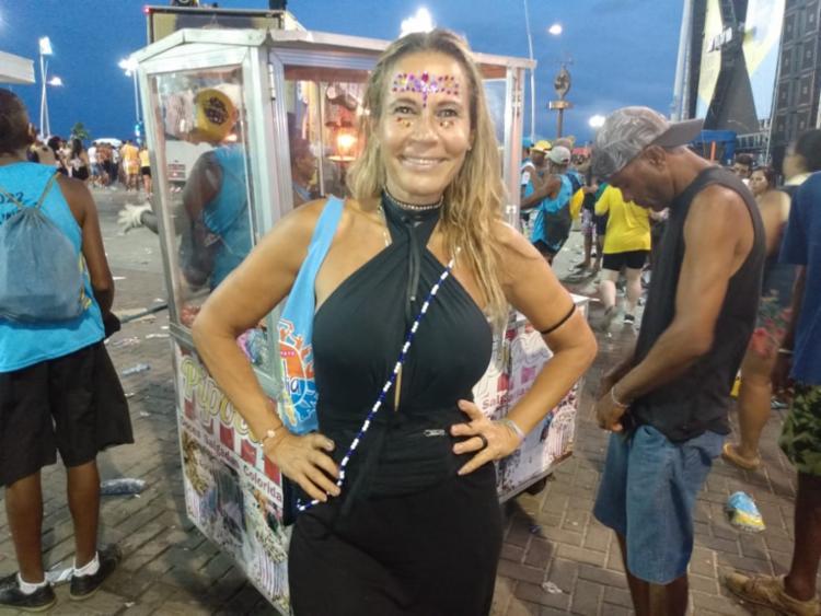 Paulista Rita Fiuza, 48 anos, passa o primeiro Carnaval em Salvador