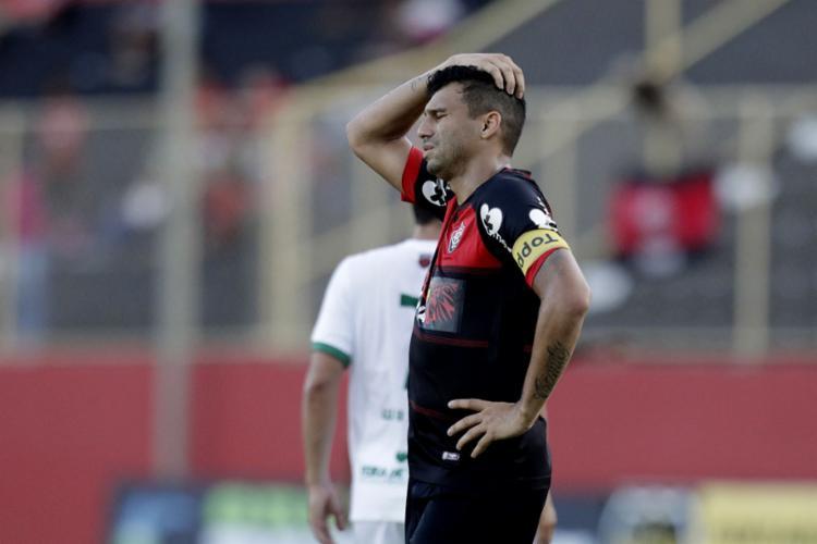 O Rubro-Negro voltou a dar vexame em casa e está fora da semifinal do Estadual - Foto: Raul Spinassé l Ag. A TARDE