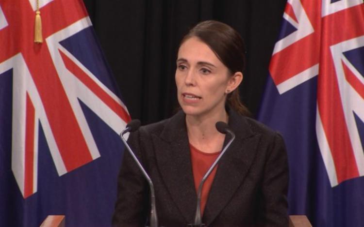 Primeira-ministra da Nova Zelândia, Jacinda Ardern, quer mudar a lei que trata de armas - Foto: Reprodução   TVNZ