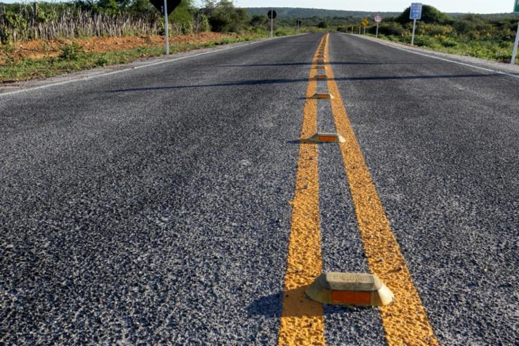 O asfaltamento e a sinalização dos 39 quilômetros da BA-722 contaram com um investimento de R$ 9,63 milhões - Foto: Alberto Coutinho/GOVBA