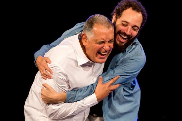 Pai e filho contracenam em espetáculo 'Foi por esse amor' - Foto: Diney Araújo | Divulgação