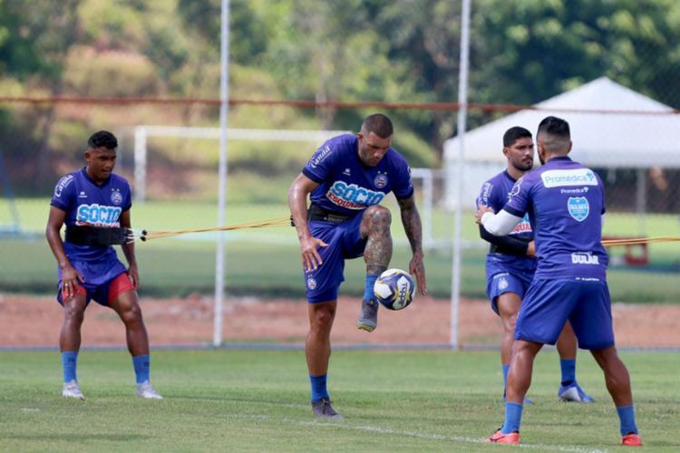Os volantes Elton e Yuri e os atacantes Fernandão e Rogério trabalharam normalmente com o elenco - Foto: Felipe Oliveira | EC Bahia