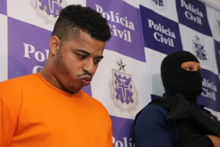 Suspeito estava escondido em uma residência localizada na cidade de São Paulo - Foto: Alberto Maraux | SSP-BA