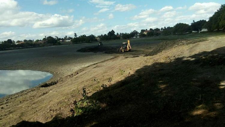 A lagoa de Aporá, que nunca secou, agora sente o baque - Foto: Reprodução | Portal Aporá News