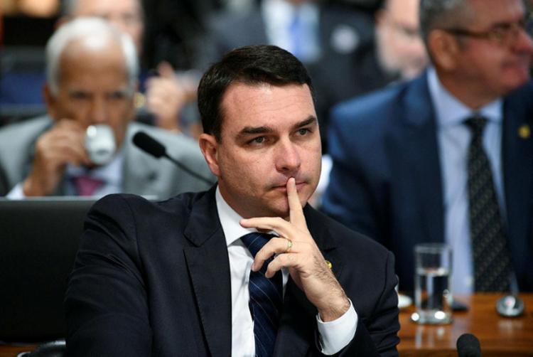 Segundo advogado, houve uma 'devassa ilegal' na vida de Flávio Bolsonaro - Foto: Pedro França | Agência Senado