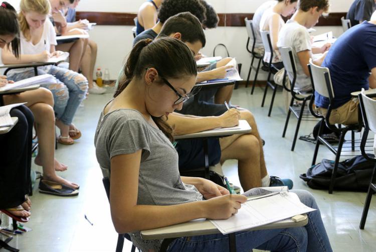 Servidores têm desconto de até 20% para aula pré-vestibular - Foto: Marcos Santos | USP Imagens