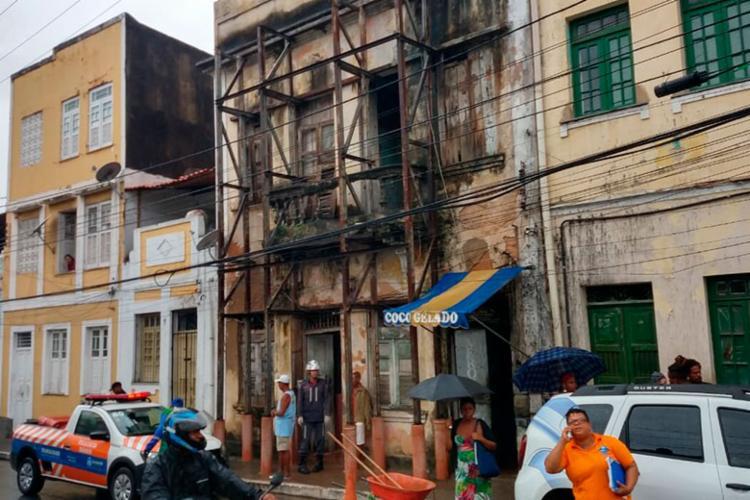 Telhado desabou por volta das 5h desta segunda-feira, 25 - Foto: Divulgação | CBMBA