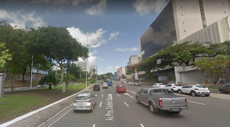 Acidente ocorreu no Vale de Nazaré, localizade da avenida Presidente Castelo Branco, sentido avenida Bonocô - Foto: Reprodução   Google Street View