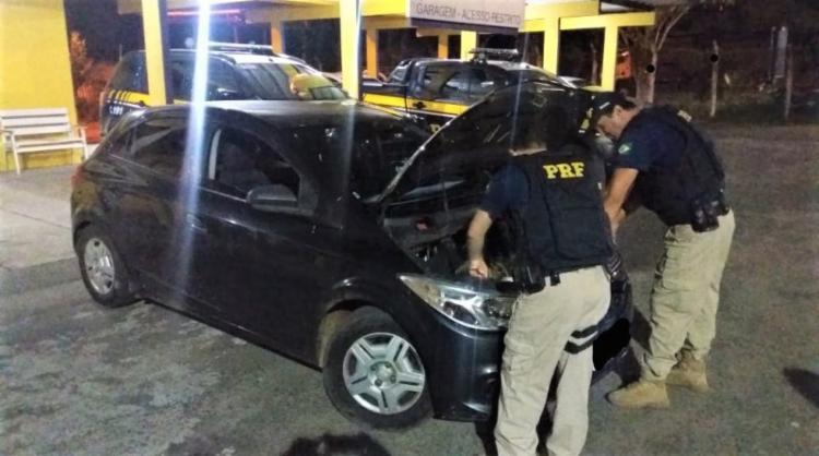 Placas originais do automóvel foram trocadas para burlar fiscalizações - Foto: Divulgação | PRF