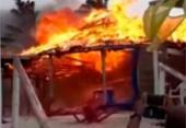 Braseiro de vendedor de queijo provoca incêndio em barraca de praia | Foto: Reprodução | Teixeira News