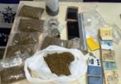 Homem é preso vendendo drogas próximo à escola   Divulgação   Polícia Civil