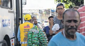 baleiros de Salvador terão um cartão de gratuidade para o acesso aos ônibus através da catraca - Adilton Venegeroles