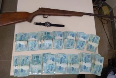 Homem é preso e adolescente apreendido com R$ 14 mil roubados | Divulgação | SSP-BA