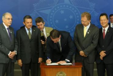 Bolsonaro assina decreto que encerra com o horário de verão | Antonio Cruz | Agência Brasil