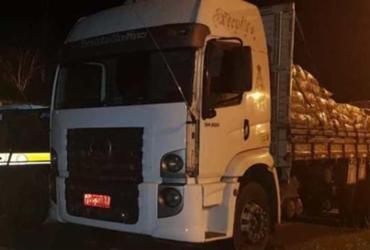 Polícia apreende caminhão roubado em Alagoinhas | Divulgação | PRF