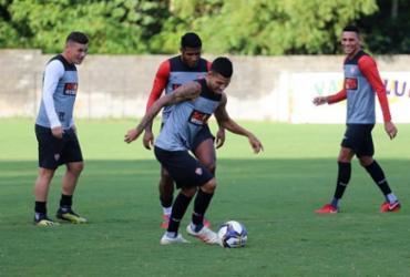 Com foco no Fortaleza, Vitória treina em dois turnos na Toca do Leão | Maurícia da Matta | EC Vitória