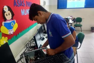 Estudantes de Jacobina realizam manutenção gratuita em computadores de instituições públicas