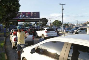 Saída de Salvador para feriado tem movimento intenso no ferry e estradas | Uendel Galter | Ag. A TARDE