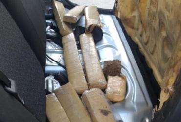 Casal é flagrado com maconha e cocaína escondidas em carro | Divulgação | SSP