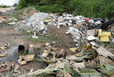 Descarte irregular de lixo polui zona rural de Camaçari | Foto: Joá Souza | Ag. A TARDE