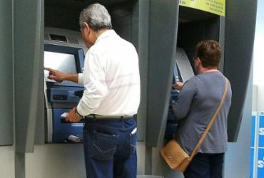Projeto de Lei garante privacidade em caixa eletrônico | Marcos Santos | USP Imagens
