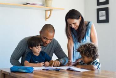 Roda de conversa gratuita aborda comunicação entre pais e filhos   Divulgação