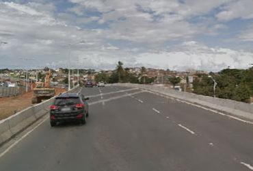 Acidente entre dois carros deixa um ferido no Complexo Viário Dois de Julho   Reprodução   Google Street View
