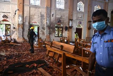 Sri Lanka declara estado de emergência após ataques a bomba   Jewel Samad   AFP