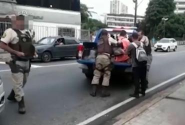 Preso suspeito de balear homem em ponto de ônibus no Canela   Reprodução l TV Bahia
