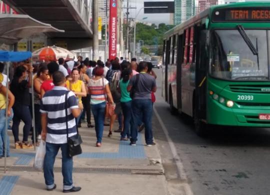 Ônibus voltam a circular em Salvador após atraso nas saídas das garagens   Victor Rosa   Ag. A TARDE