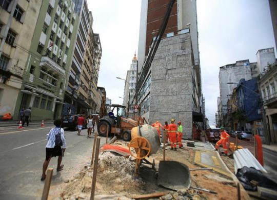 Trânsito na rua Chile passa por novas mudanças a partir de segunda | Joá Souza | Ag. A TARDE