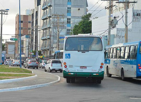 Linhas de ônibus terão trajetos alterados na avenida Oceânica   Shirley Stolze   Ag .A TARDE