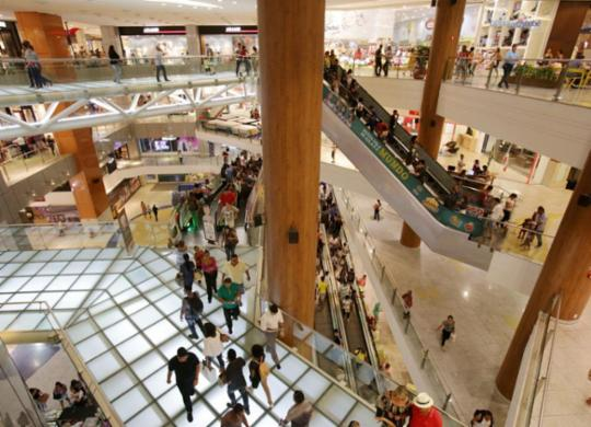 Confira o que abre e fecha durante a Semana Santa na capital baiana | Adilton Venegeroles l Ag. A TARDE