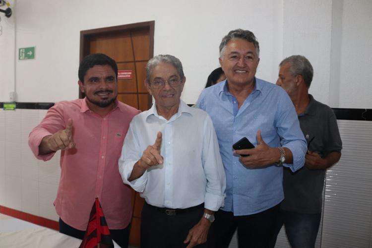 Raimundo Viana (C) já foi presidente do Vitória entre 2015 e 2016 (Foto: Maurícia da Matta | EC Vitória)