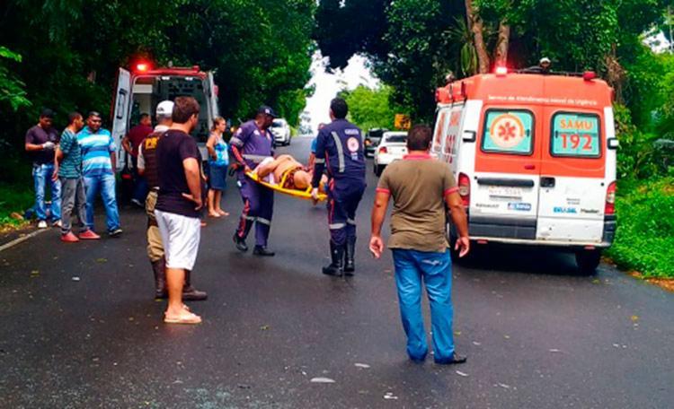 Vítimas foram socorridas por profissionais do Serviço de Atendimento Móvel de Urgência