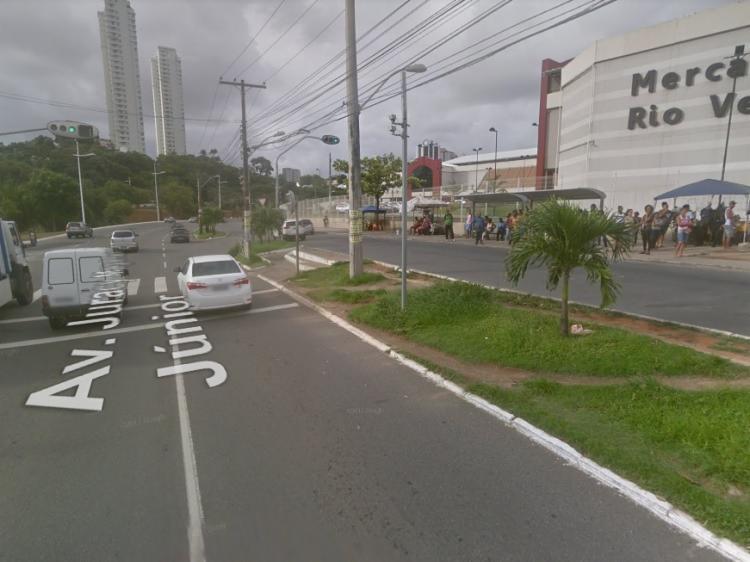 O acidente aconteceu na tarde desta terça-feira, 23, próximo ao Mercado do Rio Vermelho - Foto: Reprodução | Google Street View