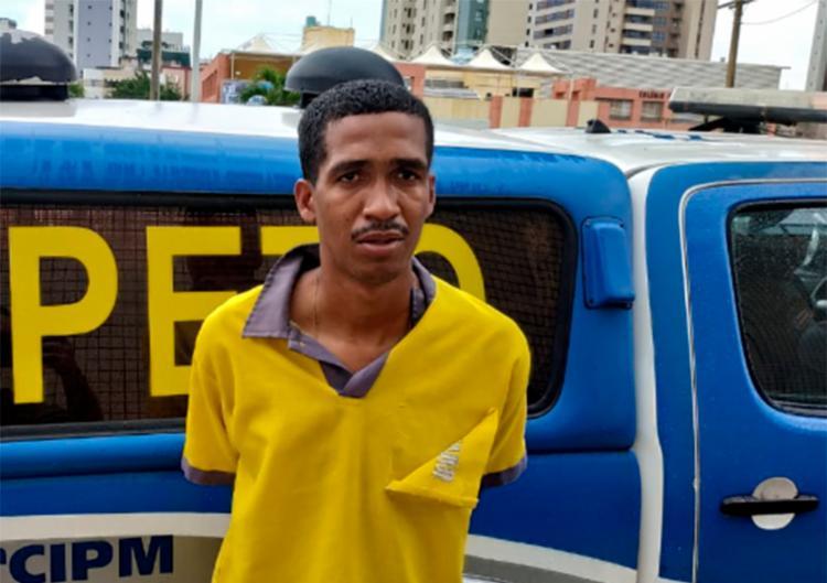 Suspeito tentou trocar a roupa que usava na hora do crime pela farda da empresa que trabalha - Foto: Divulgação | SSP-BA
