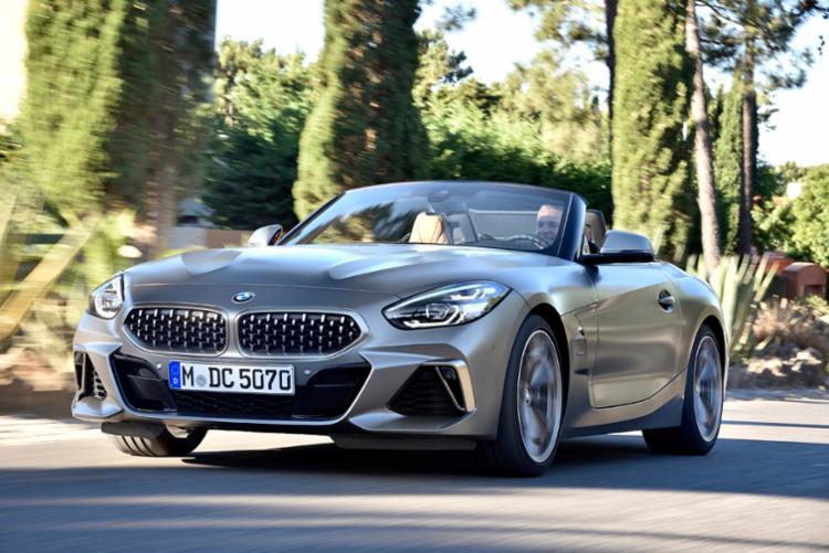 BMW Série 8 é o conversível mais refinado da casa bávara - Foto: Divulgação