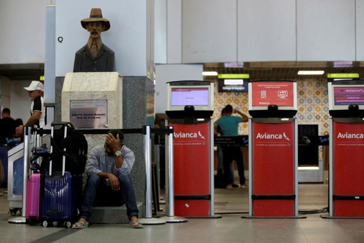Passageiros dormiram em aeroporto e reclamam falta de orientação da Avianca - Foto: Raphael Müller   Ag. A TARDE