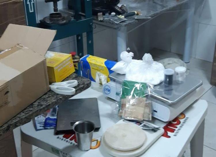 Manuel teria montado um laboratório para refino de cocaína em um sítio - Foto: Divulgação   SSP-BA
