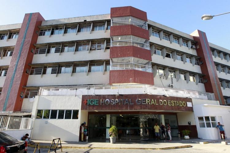 Vítimas foram socorridas por populares e levadas para o Hospital Geral do Estado (HGE) - Foto: Reprodução