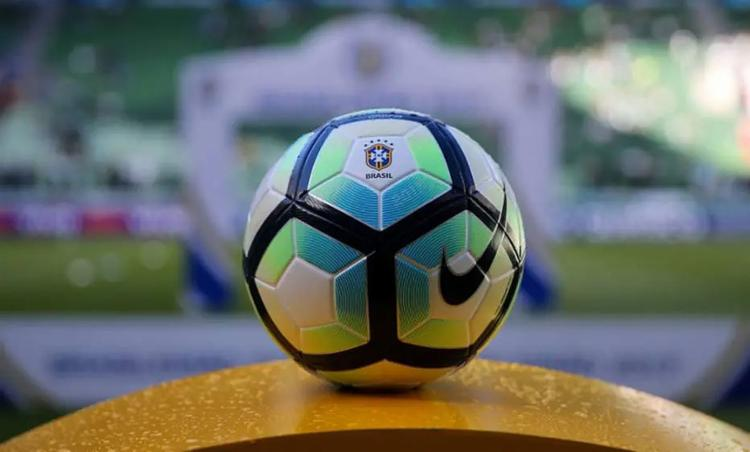 Alterações aprovadas pela International Board vão entrar em vigor em junho no futebol mundial - Foto: Lucas Merçon l Fluminense