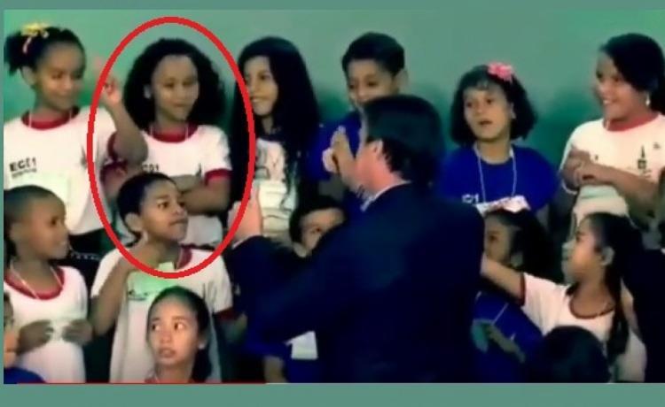 O Estado teve acesso por meio de uma fonte do governo ao vídeo com legenda onde é possível ouvir o presidente perguntando às crianças se elas eram palmeirenses - Foto: Reprodução