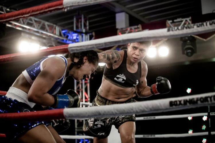 Adriana Araújo nocauteou Elaine em apenas 1m49s - Foto: Divulgação | Boxing For You