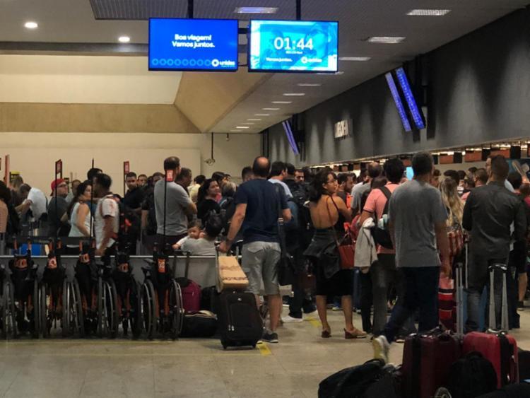 Cancelamento de voos resultou em tumulto no aeroporto de Confins - Foto: Cidadão Repórter | Via WhatsApp